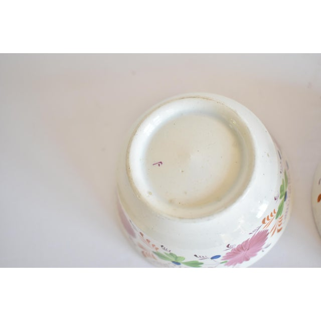 Antique C. 1810-1820 Pink Luster Staffordshire Creamware Tea Bowls - a Pair For Sale - Image 10 of 13