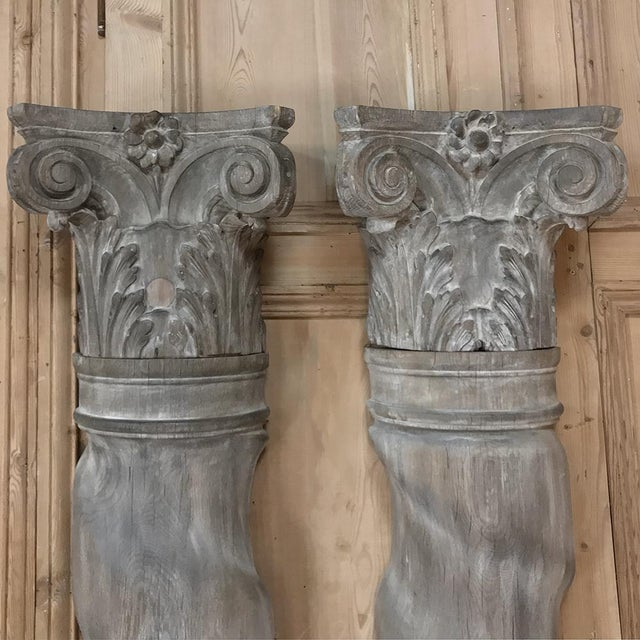 Belle Epoque Pair French Architectural Corinthian Weathered Oak Hand Carved Columns, Ca. 1890s For Sale - Image 3 of 13