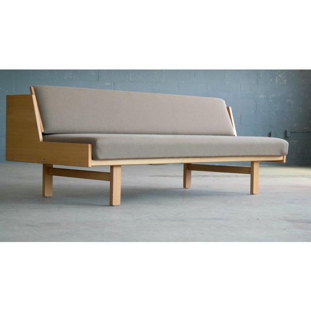 Mid-Century Modern Hans Wegner for GETAMA Model 258 Oak Sofa or Daybed For Sale - Image 3 of 11
