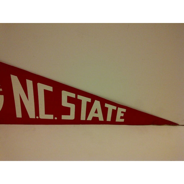 "Vintage 1978 NCAA ""NC State"" Pennant Flag For Sale - Image 4 of 5"