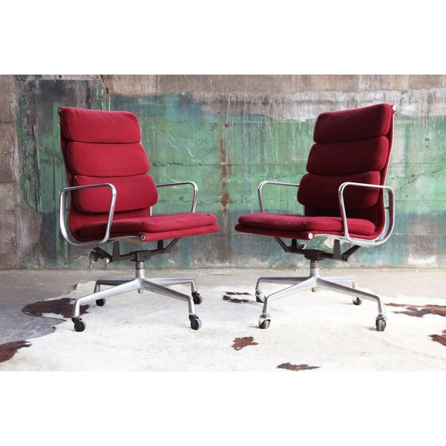 Red 1970s Eames Herman Miller Aluminum Soft Pad Reclining Executive Lounge Chairs - Set of 8 For Sale - Image 8 of 11