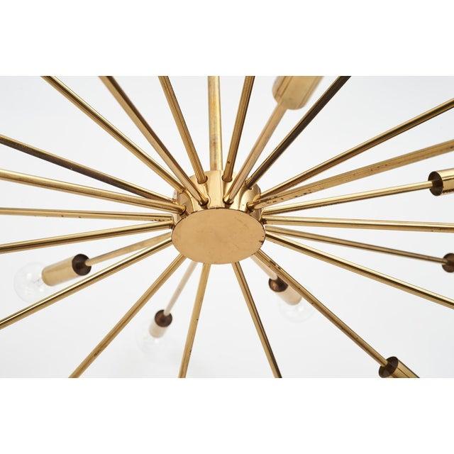 Gino Sarfatti 24 Light Brass 'Sputnik' Chandelier model 4081, ca. 1950 For Sale - Image 5 of 9