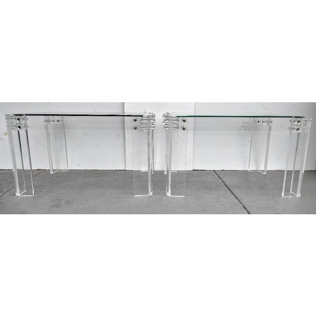 Mid-Century Modern Lucite Side/Cocktail Tables With Glass Tops - a Pair For Sale In Miami - Image 6 of 12