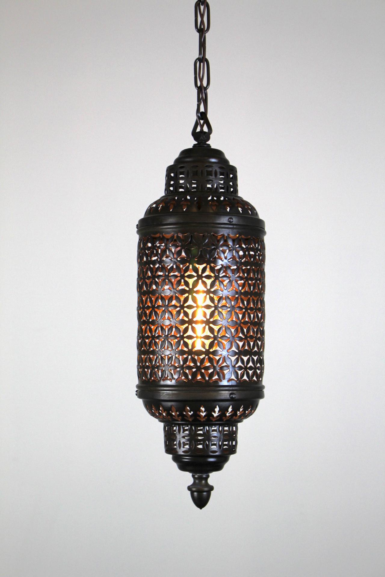 Single Bulb Moroccan Lantern   Image 3 Of 8