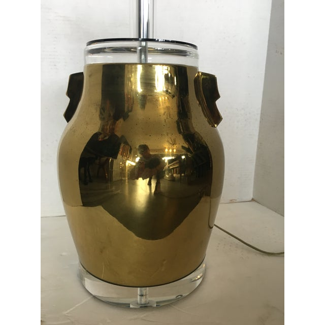 1980s Bauer Brass & Lucite Table Lamp For Sale - Image 5 of 8