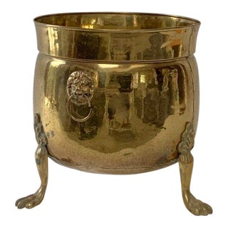 1970s Vintage Large English Brass Lion Head Paw-Footed Planter For Sale