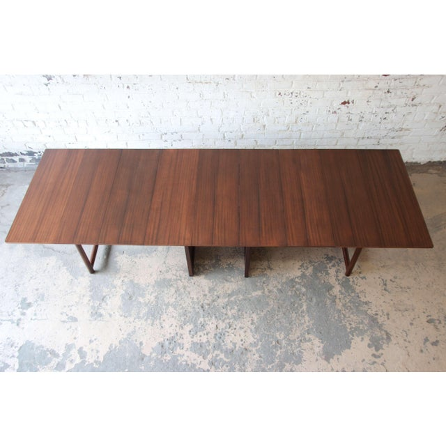 Dunbar Furniture Large Edward Wormley for Dunbar Mahogany Extension Dining Table For Sale - Image 4 of 13