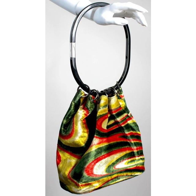 5a76a2a95d7f Gucci Fw 1999 Gucci by Tom Ford Runway Psychedelic Swirl Silk Velvet Hoop  Bucket Bag For