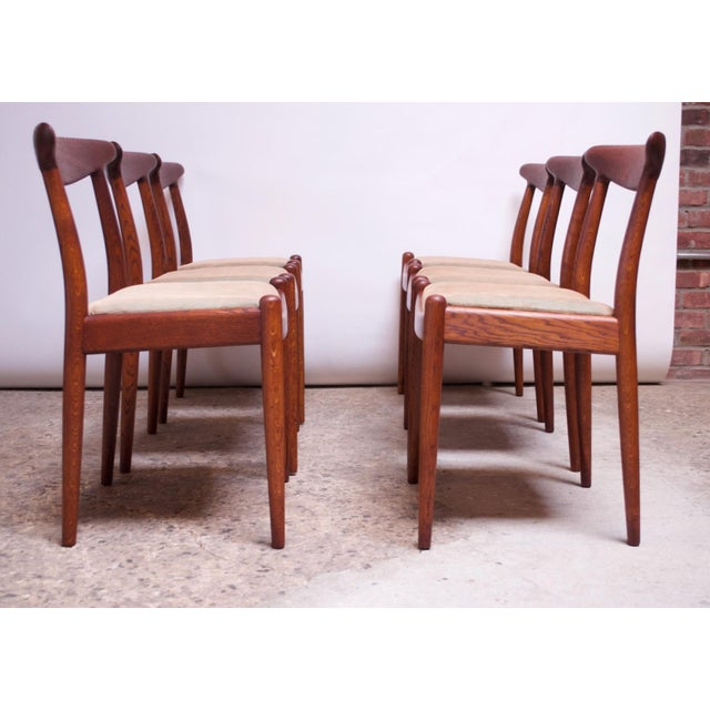 Mid-Century Modern Set of Six Hans Wegner W2 Dining Chairs for CM Madsen in Oak For Sale - Image 3 of 13