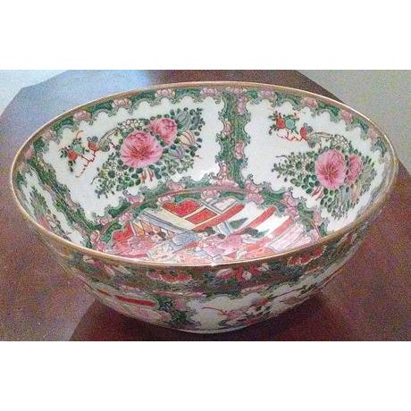 Ceramic Chinese Famille Medallion Bowl For Sale - Image 7 of 7