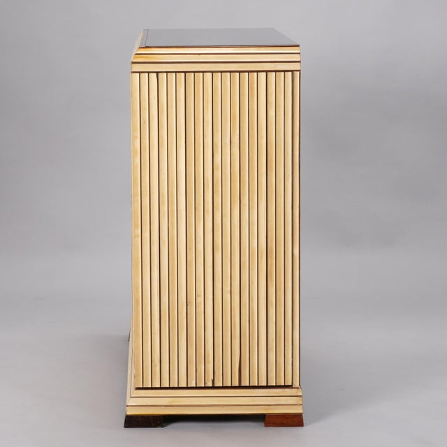 1960s Reeded Maple Cabinet with Rosewood Trim and Black Glass For Sale - Image 5 of 13