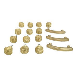 Early 21st Century Brushed Gold Knot Knobs and Pulls Set- 16 Pieces For Sale
