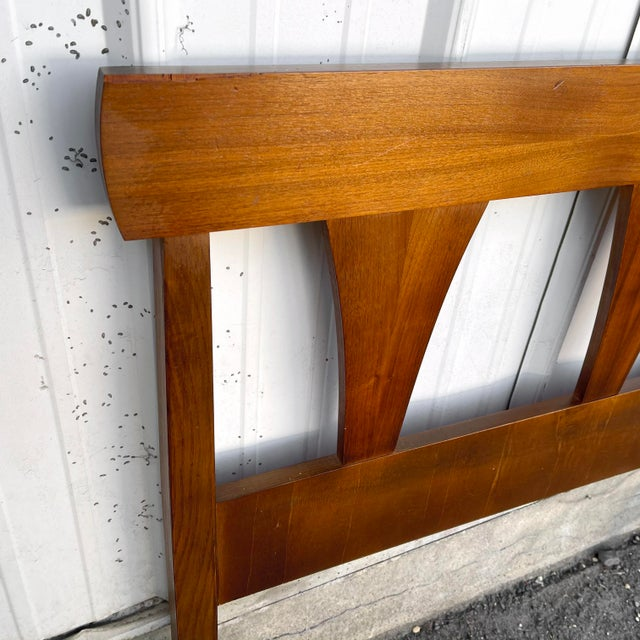 Mid-Century Walnut Twin Headboard and Footboard For Sale - Image 4 of 13