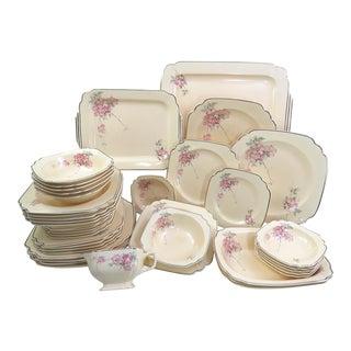 C1931 Homer Laughlin Dinnerware , 41 Piece Set For Sale