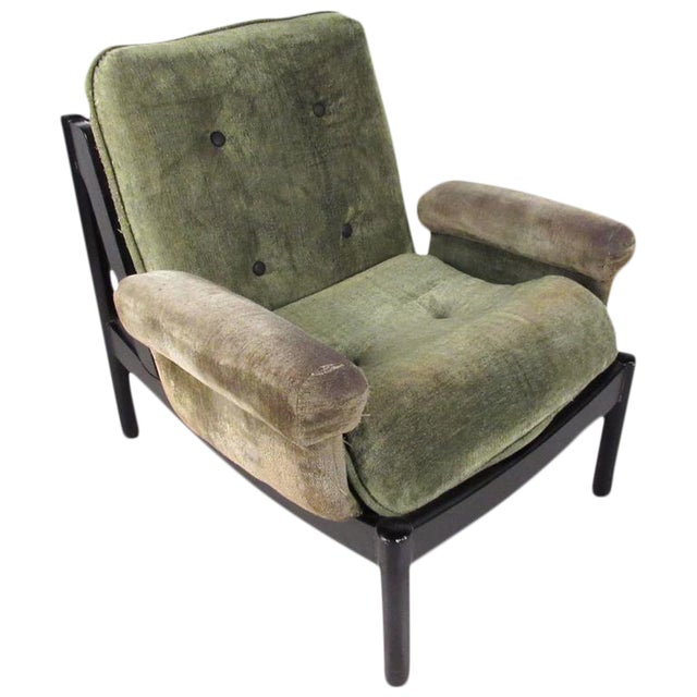 Mid-Century Modern Style Tufted Side Chair For Sale