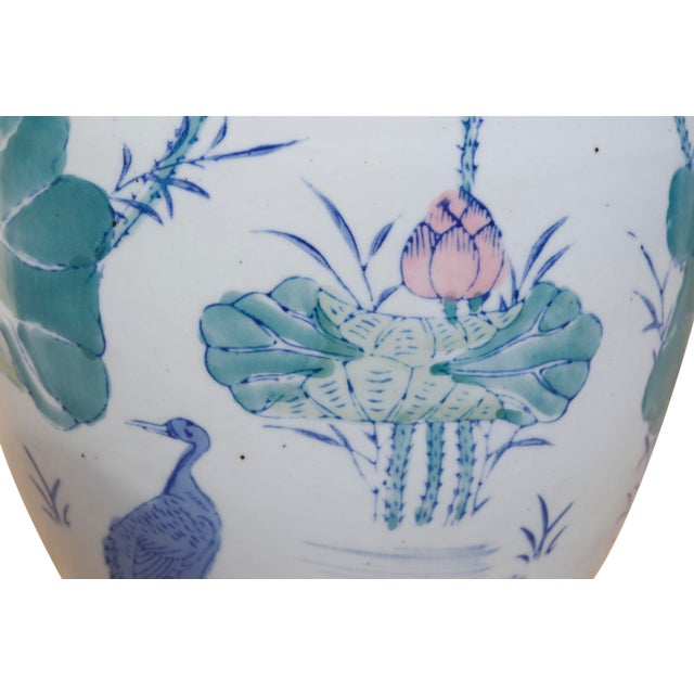 Mid 20th Century Chinoiserie Ceramic Ginger Jar With Lid For Sale - Image 5 of 6