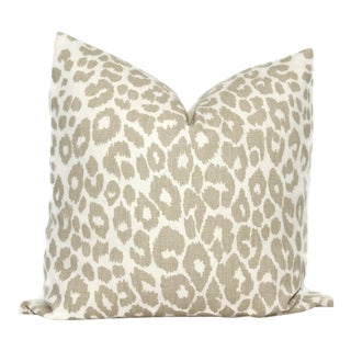 "20"" X 20"" Schumacher Iconic Leopard in Linen Decorative Pillow Cover For Sale"