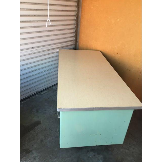 Classic Vintage Spindle Leg Tanker Desk - Image 4 of 8