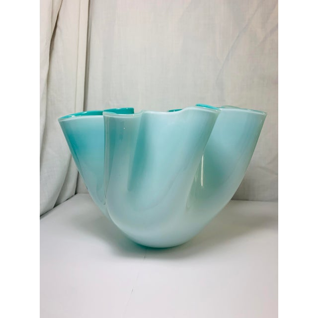 """Offered is a Venetian Murano handkerchief vase featuring a turquoise """"Tiffany Blue"""" interior with layered exterior of..."""
