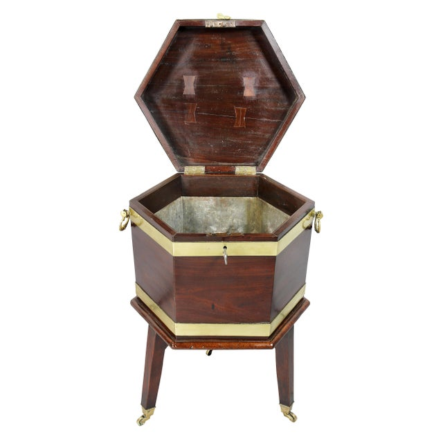 George III Mahogany and Brass Mounted Celleret For Sale - Image 4 of 11