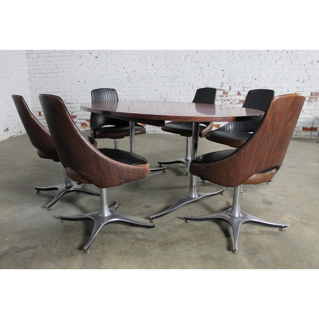 Mid-Century Dinette Set With Aluminum Base - Image 2 of 11