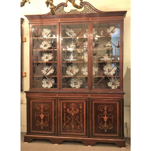 Late 19th Century Antique English Mahogany Bookcase with Superb Inlay, Circa 1880-1890. For Sale - Image 5 of 5
