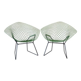 1960's Vintage Harry Bertoia for Knoll Diamond Chairs- A Pair For Sale