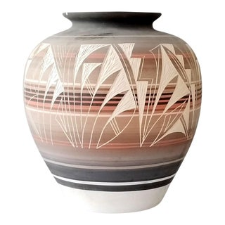 Late 20th Century Navajo Pottery For Sale