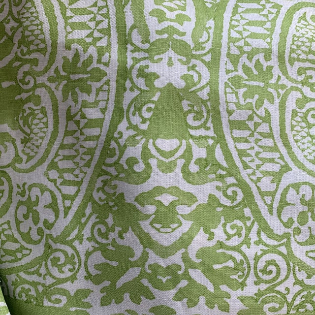 Contemporary Quadrille Veneto Hand-Printed Lime Linen Fabric For Sale - Image 3 of 7