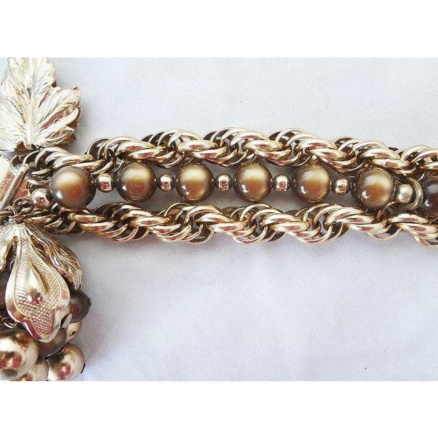 Gold 1950s Napier Brown Moonglow Grape Charm Bracelet For Sale - Image 8 of 9