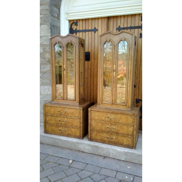 Mastercraft Regency Display Cabinets - A Pair - Image 2 of 10