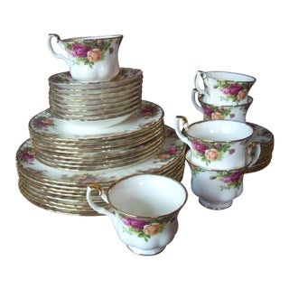 1960s Royal Albert Bone China Dinnerware Service for 8 - Set of 38 For Sale