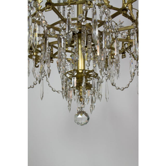 Traditional Victorian Brass and Crystal Eighteen Light Chandelier For Sale - Image 3 of 11