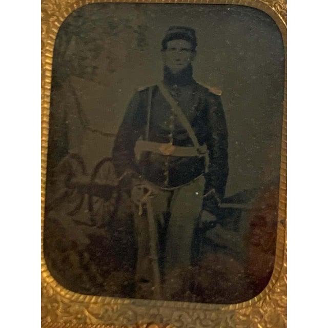 Civil War Union Solider in Full Dress, Sword & Cannon, Union Gutta Percha Case For Sale - Image 4 of 11