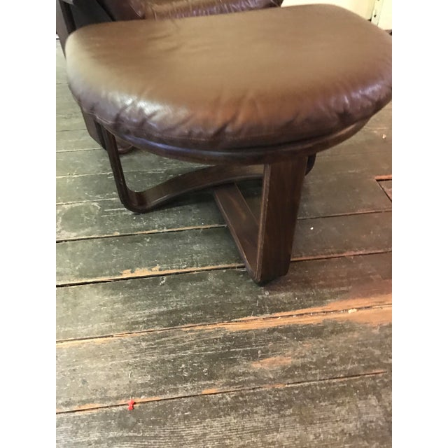 """Westnofa """"Manta"""" Chair with Ottoman For Sale - Image 7 of 8"""
