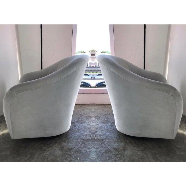 Art Deco Pair of Mid-Century Modern Swivel Lounge Chairs in Grey Velvet, Circa 1970s For Sale - Image 3 of 13
