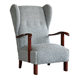 Fritz Hansen Model 1582 Wingback Lounge Chair in Grey Boucle Danish Midcentury For Sale