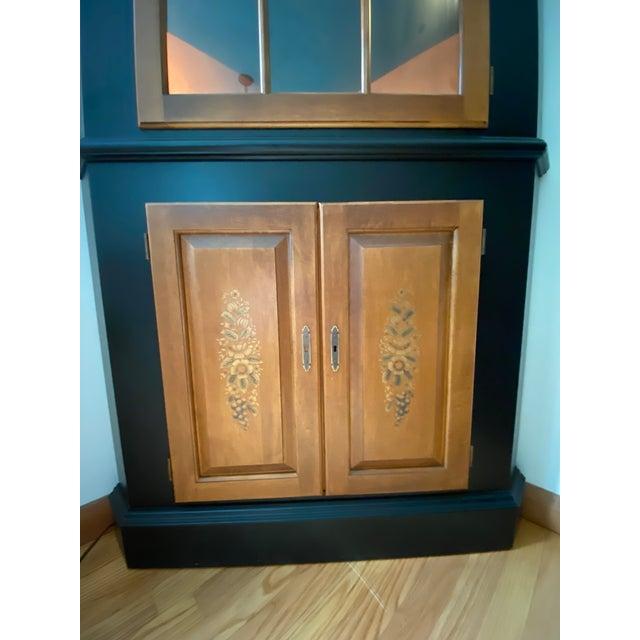 Hitchcock Black/Harvest Newington Hitchcock Lighted Corner Cabinet For Sale - Image 4 of 13