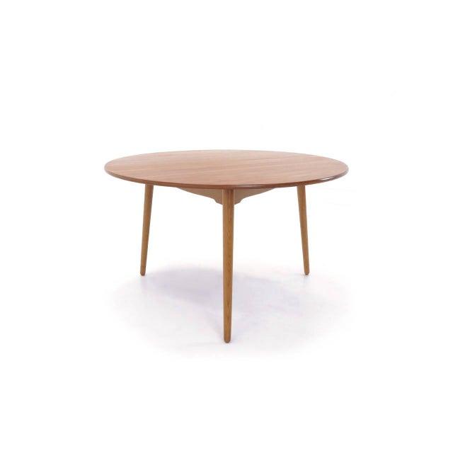 Luxury Hans Wegner For Fritz Hansen Three Legged Teak Dining Table