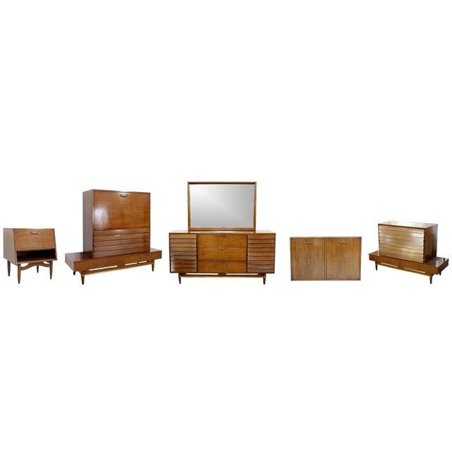 Mid-Century Modern Dania American of Martinsville Merton Gershun Bedroom Set