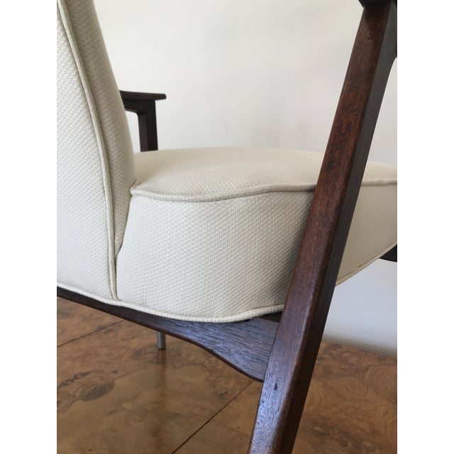 1950s Sculptural Mid-Century Modern Walnut Occasional Armchair Attributed to Gio Ponti Edward Wormley Home Office For Sale - Image 10 of 13