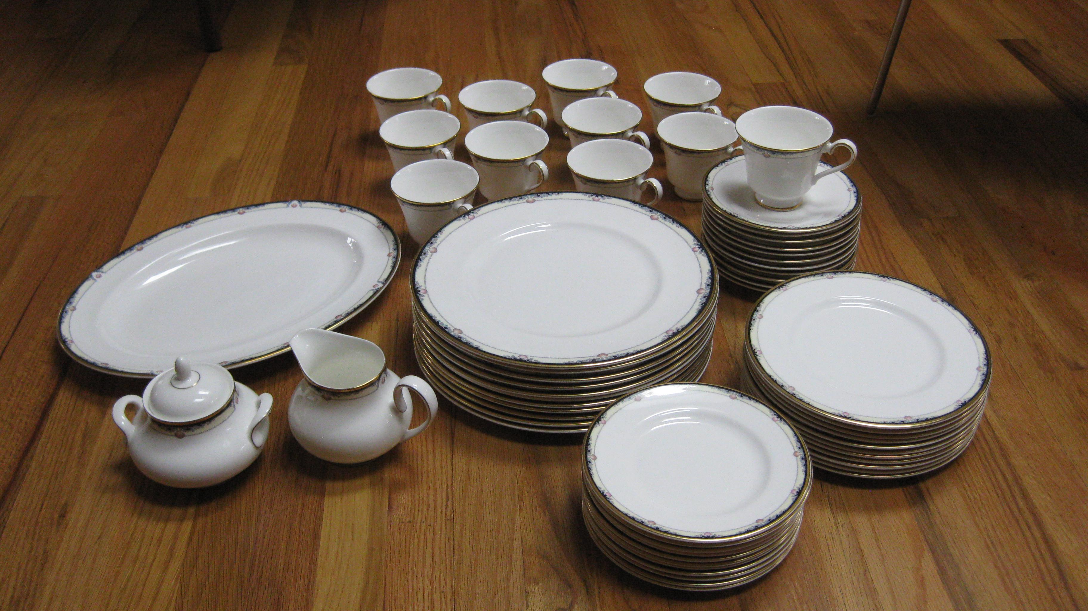 Royal Doulton Rhodes China Dinnerware Set - Image 5 of 5  sc 1 st  Chairish & Royal Doulton Rhodes China Dinnerware Set | Chairish