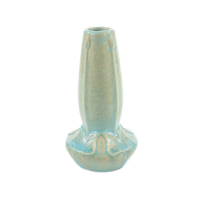 Van Briggle rare Art Nouveau glazed turquoise pottery vase. Signed. A beautiful piece that will add to your décor!