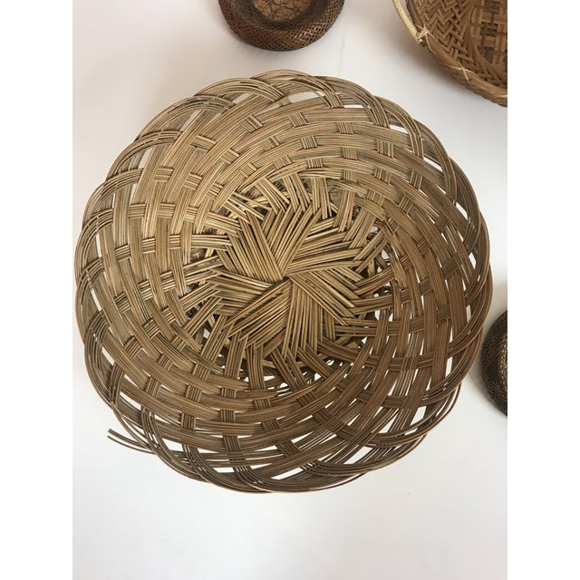 Set of 5 Wicker Wall Hanging Baskets. These can be used as individual baskets or as a cute cluster of wall hangings....