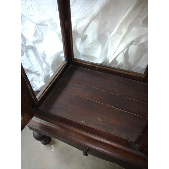 1930s Traditional Plantation Rosewood Glass Display Cabinet For Sale - Image 4 of 9