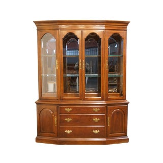 20th Century Traditional Bernhardt Furniture Solid Cherry Buffet With Illuminated Display China Cabinet 025/110 For Sale