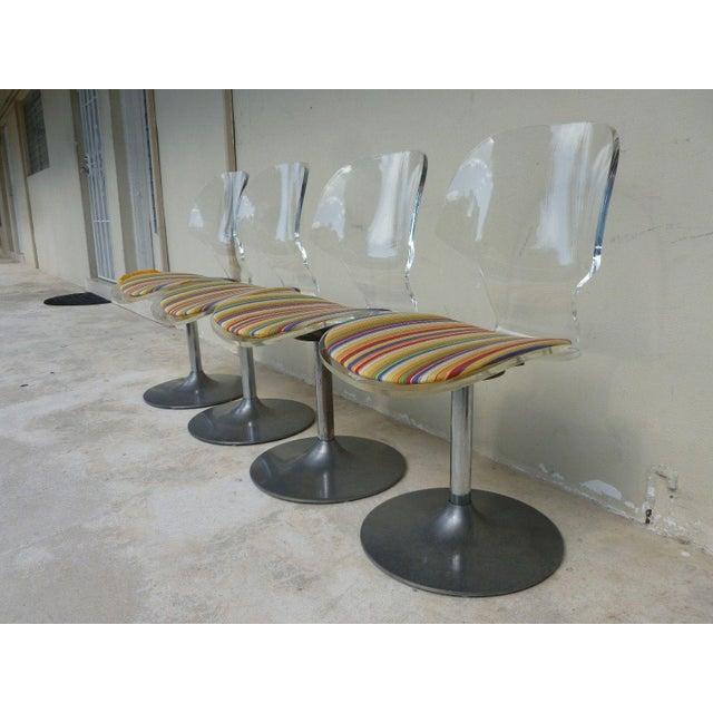 Set of 4 Space Age Mod 70's Lucite and Aluminum Swivel Chairs For Sale In Miami - Image 6 of 8