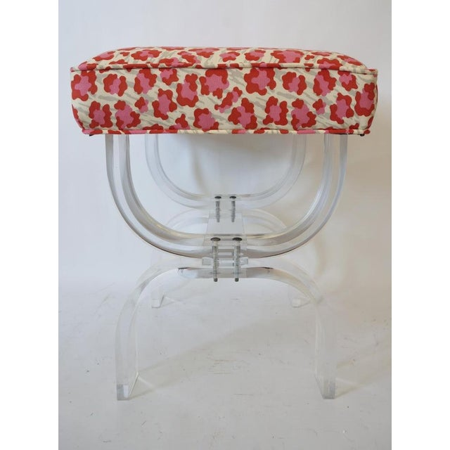 Charles Hollis Jones Mid-Century Modern Charles Hollis Jones Lucite Stool Bench With New Upholstery Fantasy Leopard Motif For Sale - Image 4 of 12