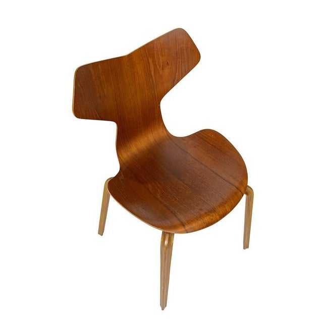 "1950s Set of Four Arne Jacobsen ""Grand Prix"" Chairs For Sale - Image 5 of 10"