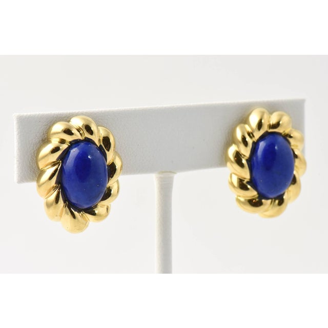 Contemporary 20th Century Contemporary Lapis Lazuli Sculpted Gold Clip Earrings - a Pair For Sale - Image 3 of 8